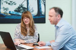 Steuerberater aus Dresden hilft bei der betrieblichen Lohn und Gehaltsabrechnung